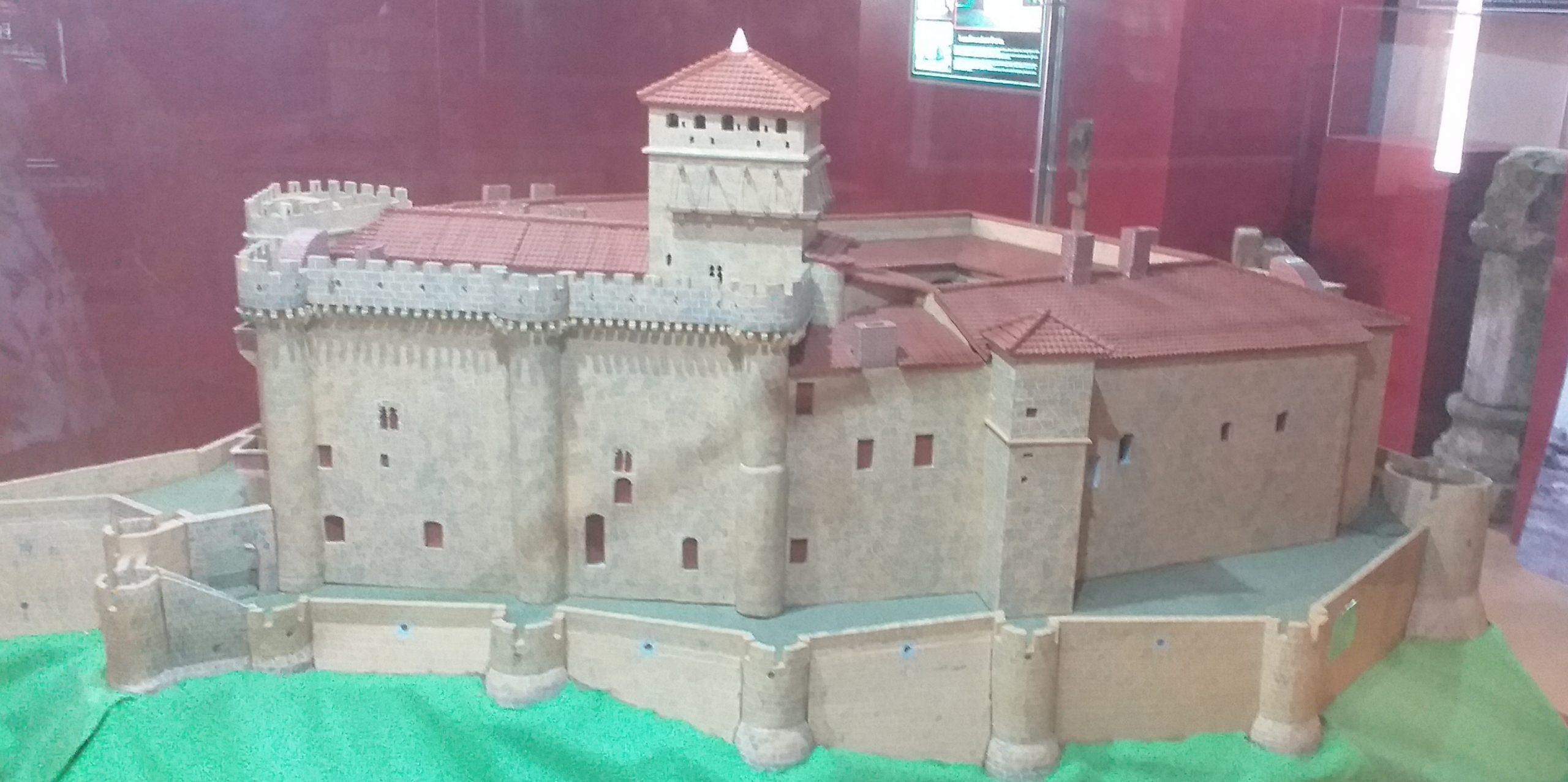Maqueta Castillo Medieval Belvís de Monroy